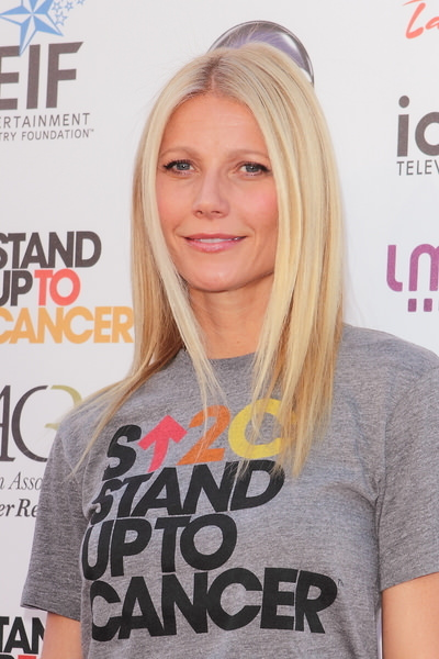 "2012 ""Stand Up To Cancer"" Fundraising Event - Arrivals"